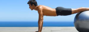 Praticante de Pilates em momento de exercitação e bem estar